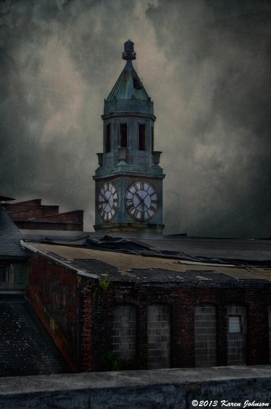 Scranton Lace Clock sm