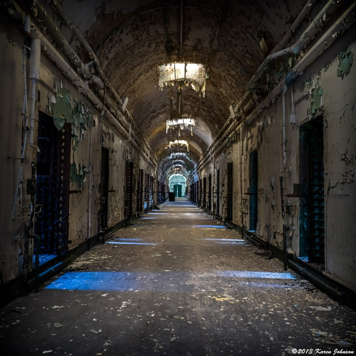 Holmesburg-Prison-Hallway-Final-web