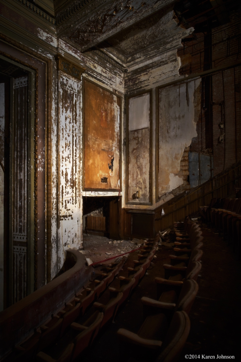 Victory-Theater-Stage-Left-Chiascuro