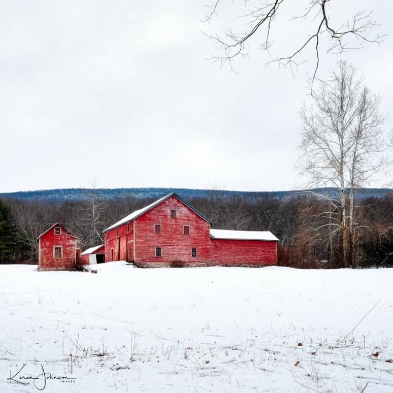 Square-Crop-Barn-in-Winter