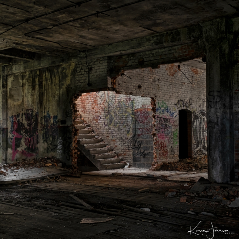 Cropped-Staircase-Packard-building-near-wter-tower